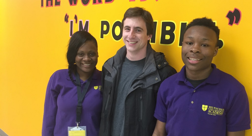 Sean Murphy (center) tours MCA with student tour guides Kevenitia (L) and Taymon (R)